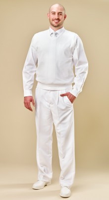 white-pant-with-pleats