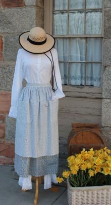 Pioneer-blk-wht-hat-1
